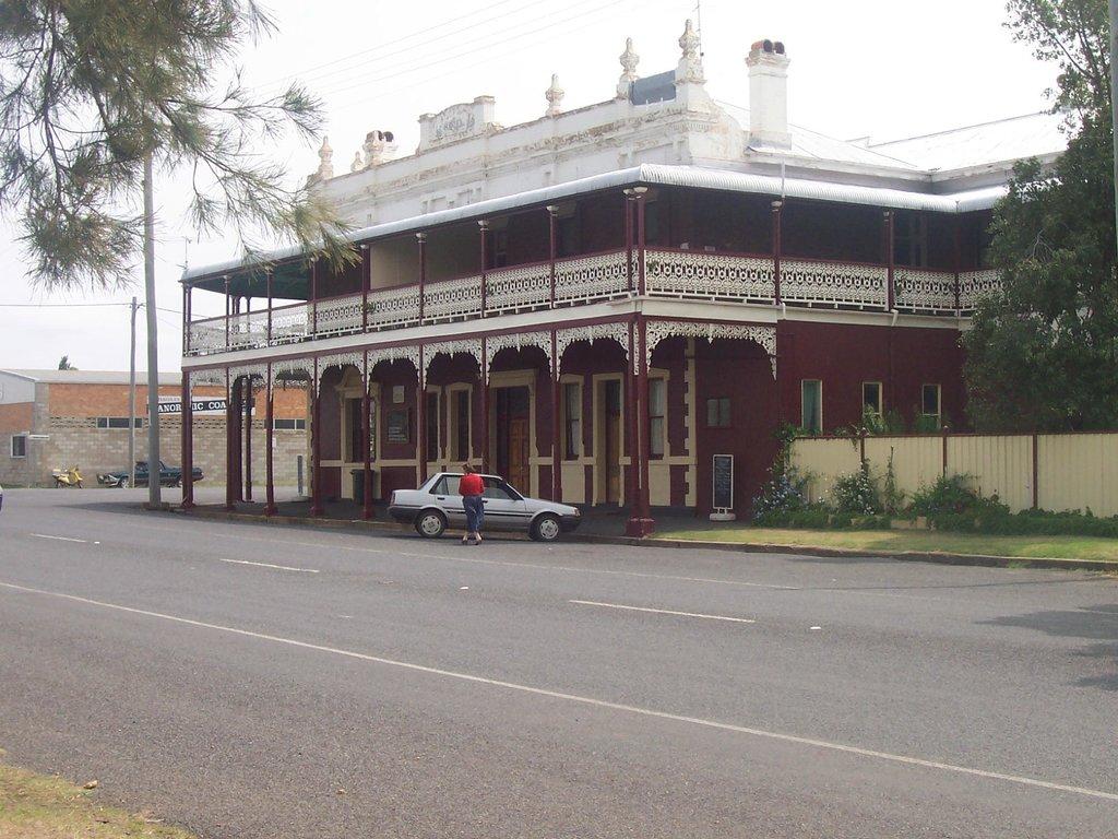 O'Mahony's Heritage Hotel