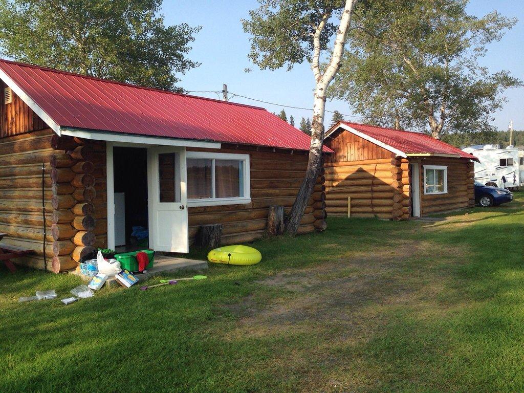 Kokanee Bay Motel, Cabins, Campground