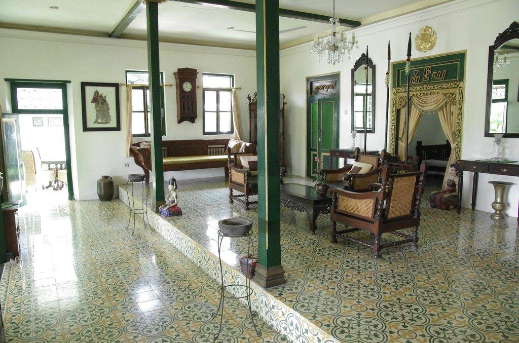 nDalem Gamelan Hotel