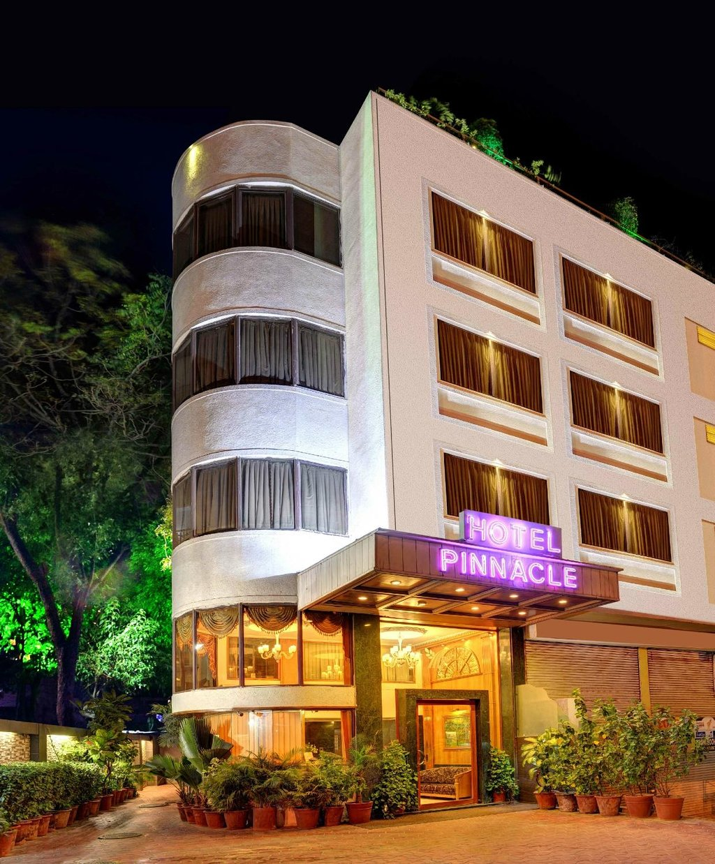 Pinnacle Hotel