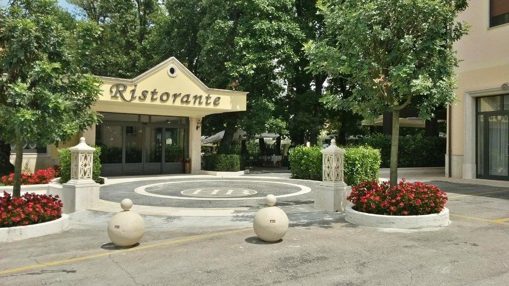 Hotel Ristorante Al Boschetto