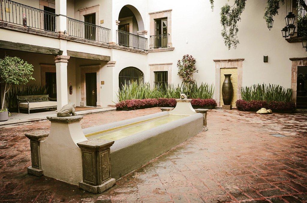 Meson de Santa Rosa Luxury Hotel