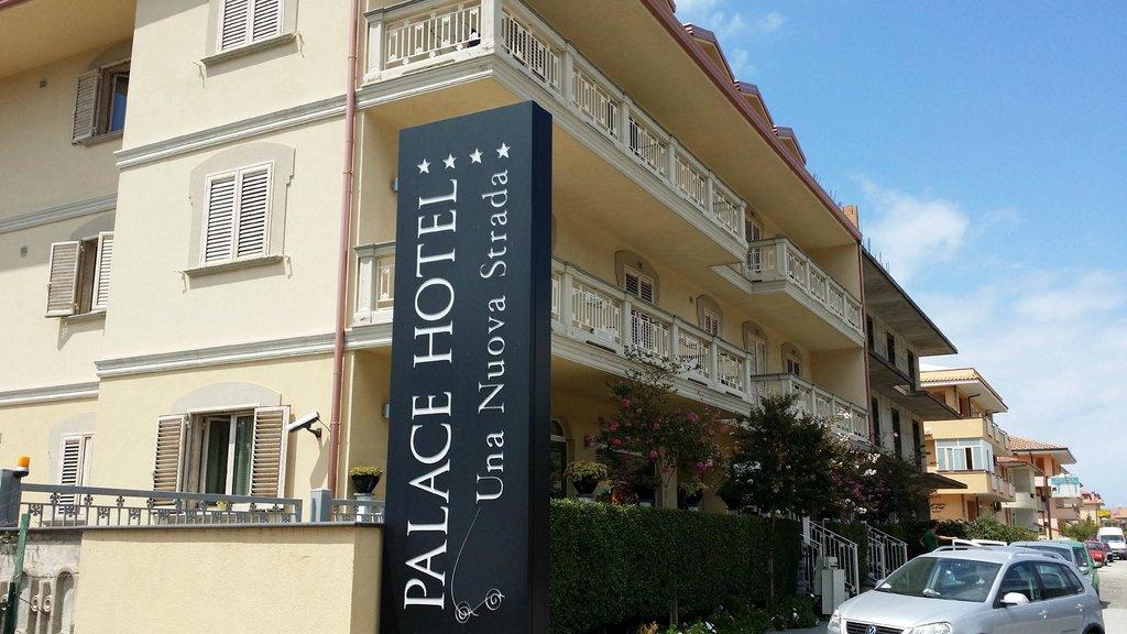 パレス ホテル ウナ ヌオーヴァ ストラーダ