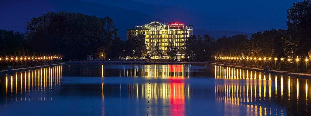 Landmark Creek Hotel