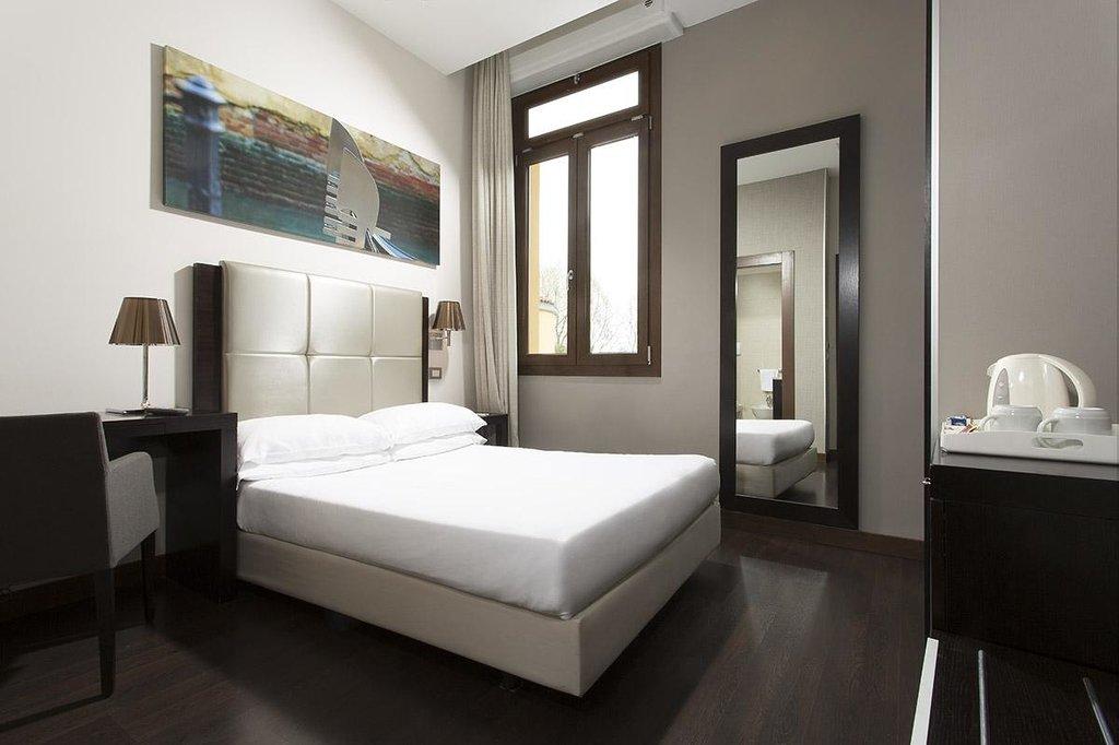貝斯特韋斯特聖伊蓮納高級酒店
