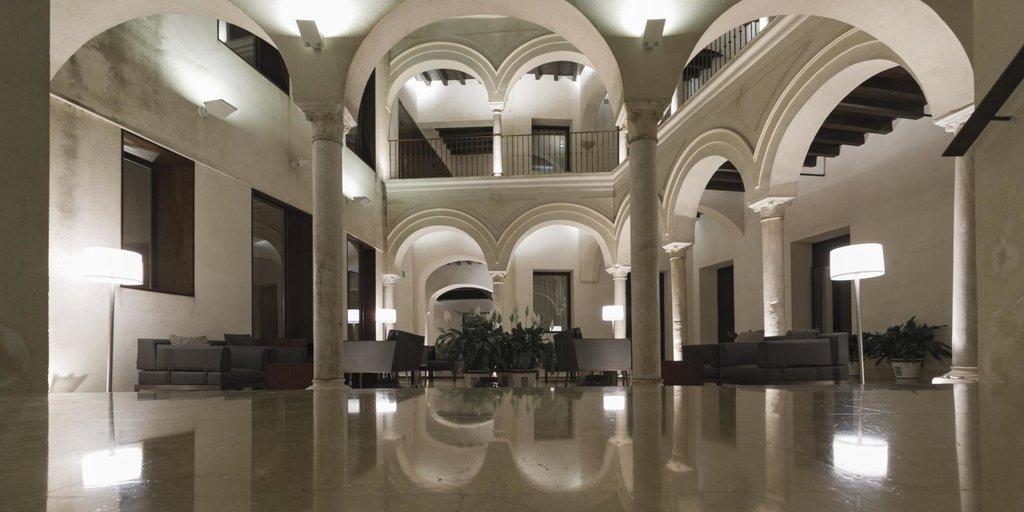 魯塞羅旅館