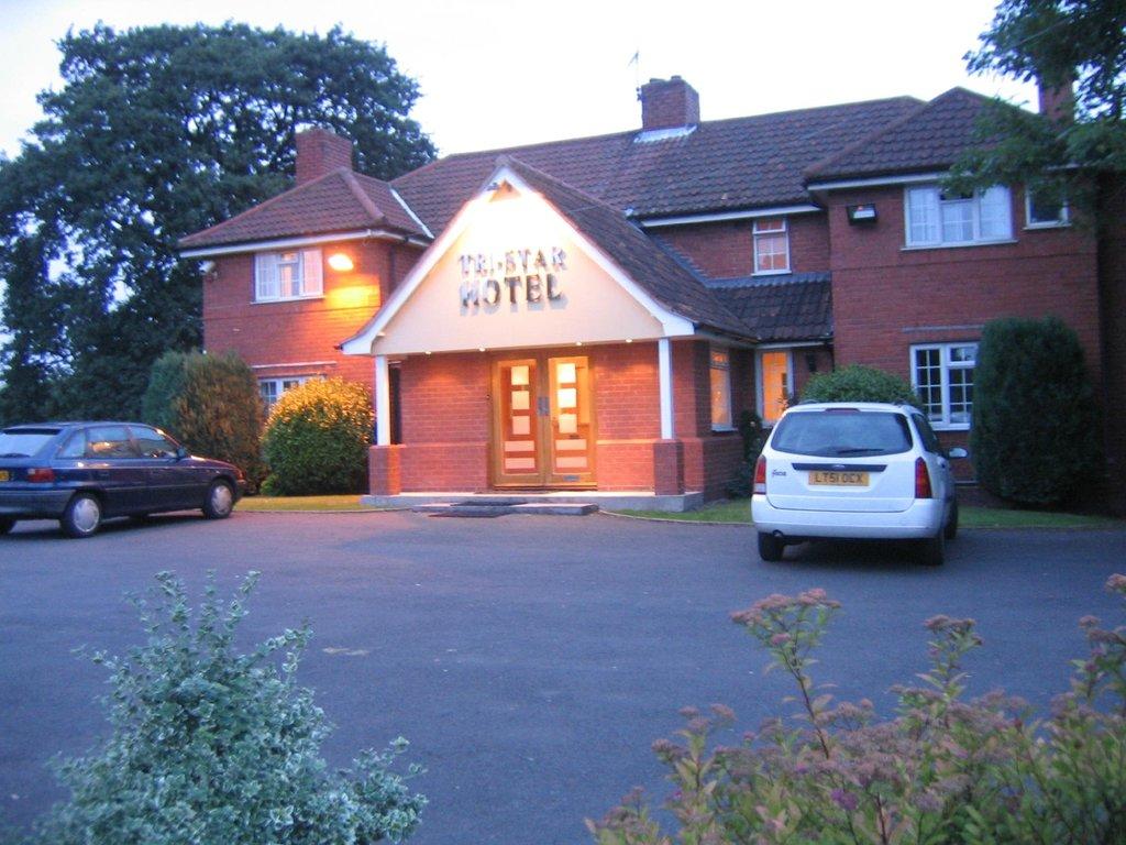 Tri-Star Hotel