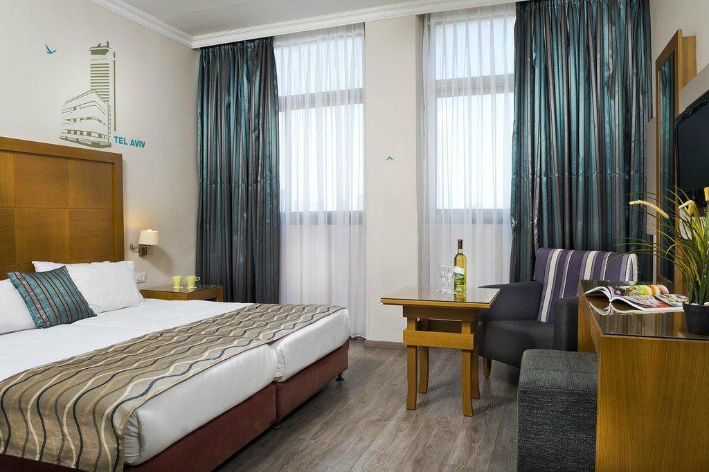 德波拉酒店