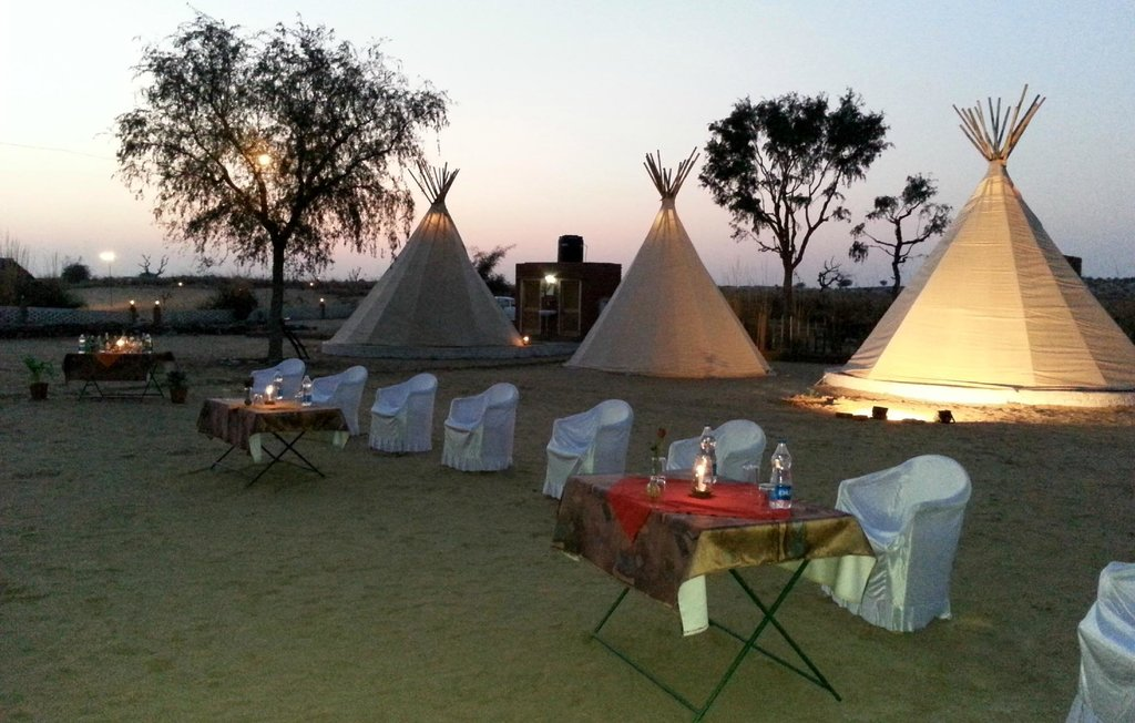 Umaid Safaris & Desert Lodge