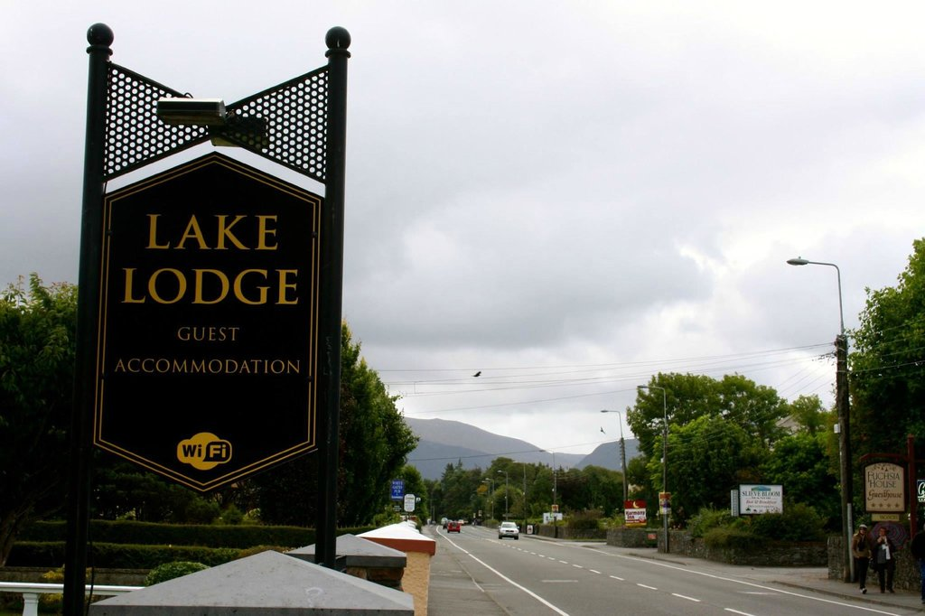 Lake Lodge Guesthouse