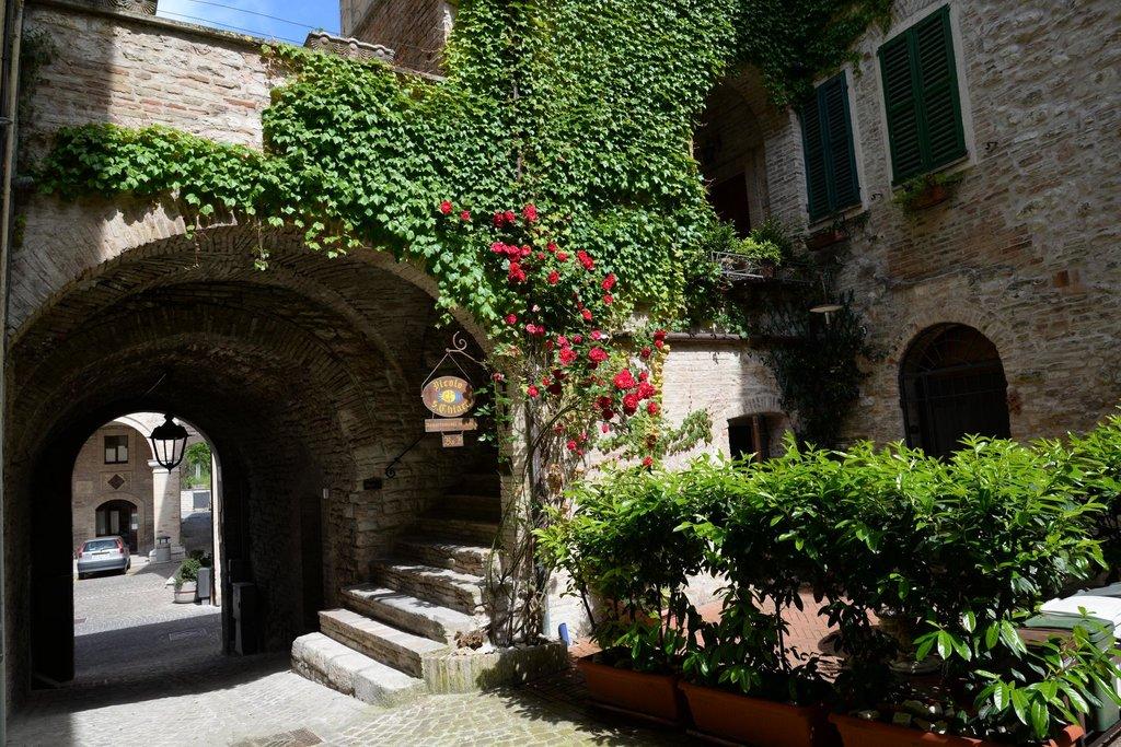 Vicolo Santa Chiara