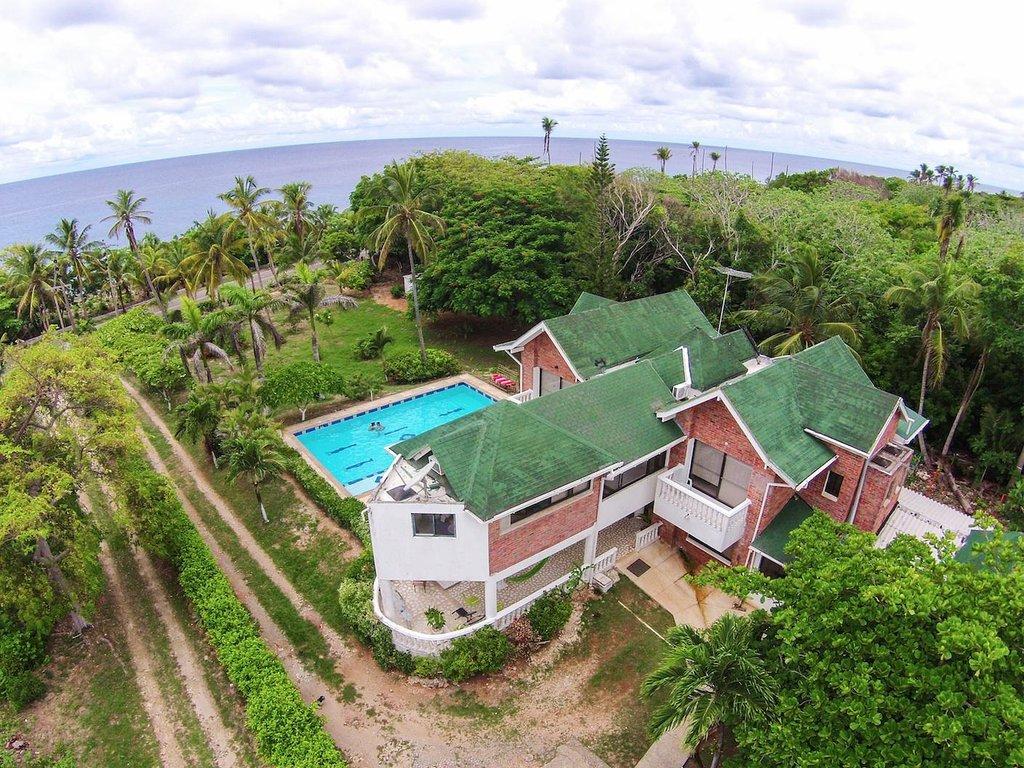 Casa de las Flores Tropical Lodge Hotel