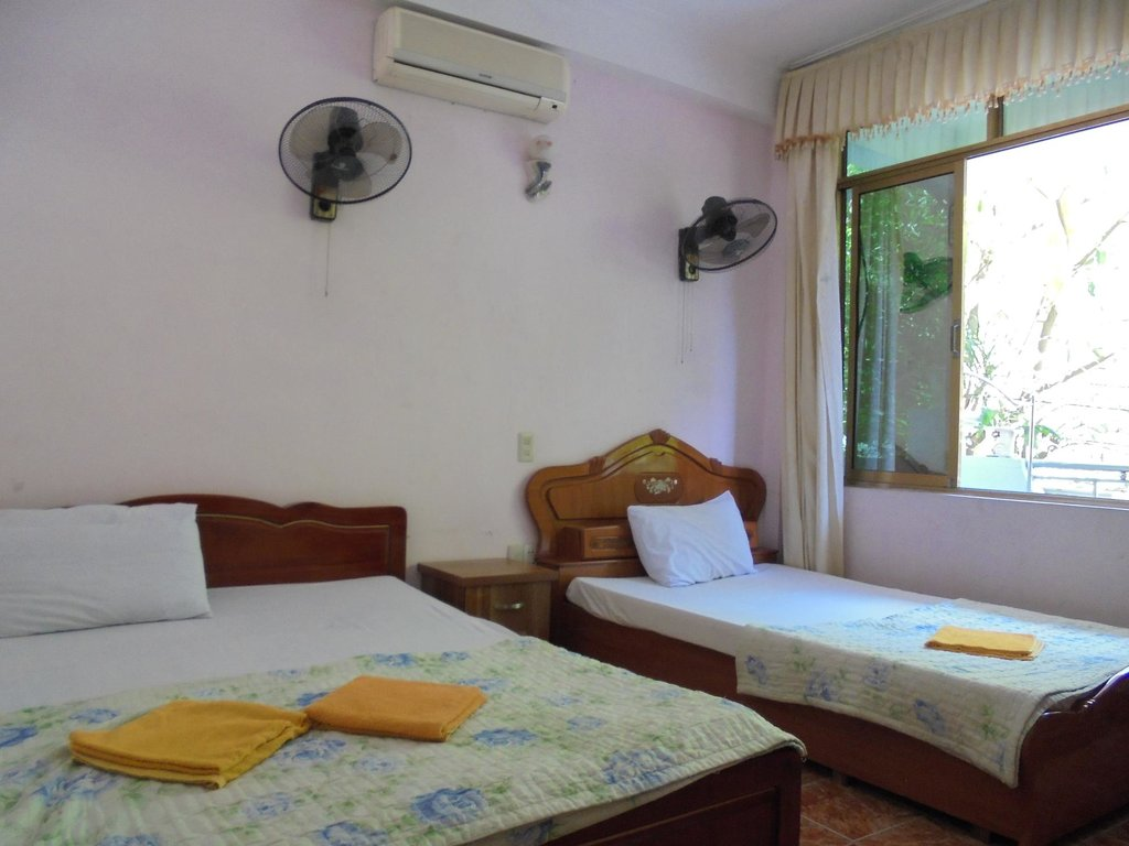 Cat Ba Hostel