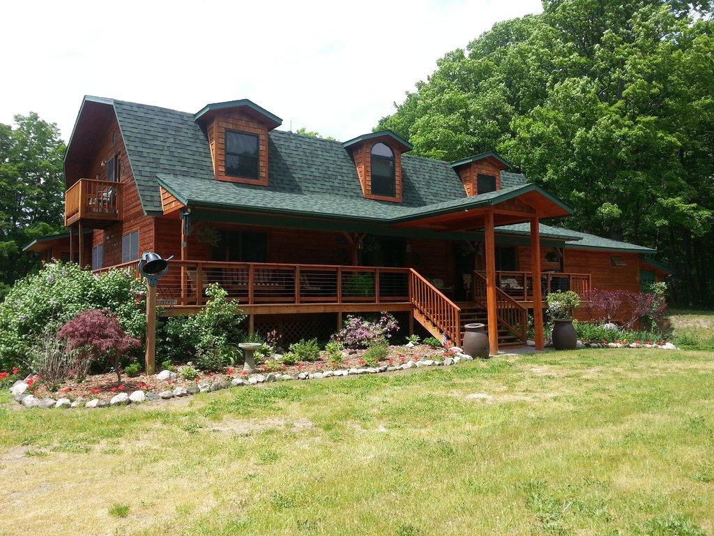 Torch Lake Country Inn, LLC