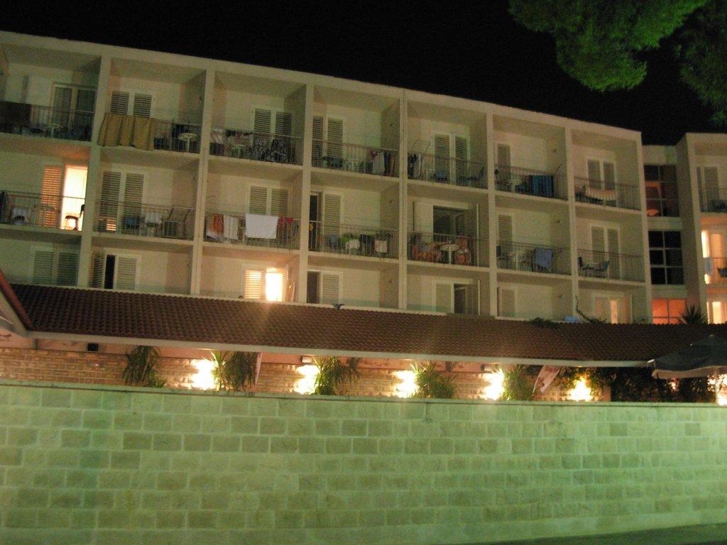 Hotel Lumbarda