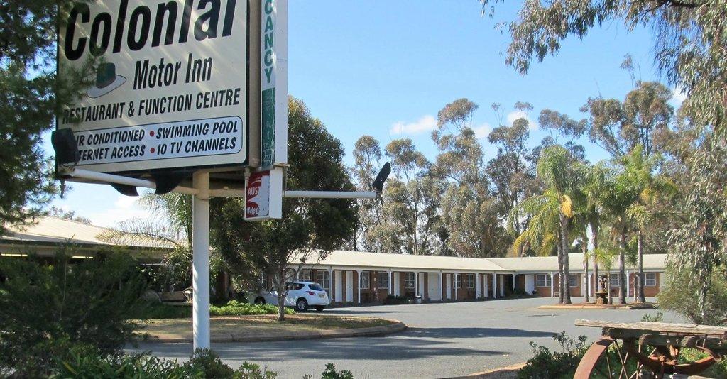 Colonial Motor Inn