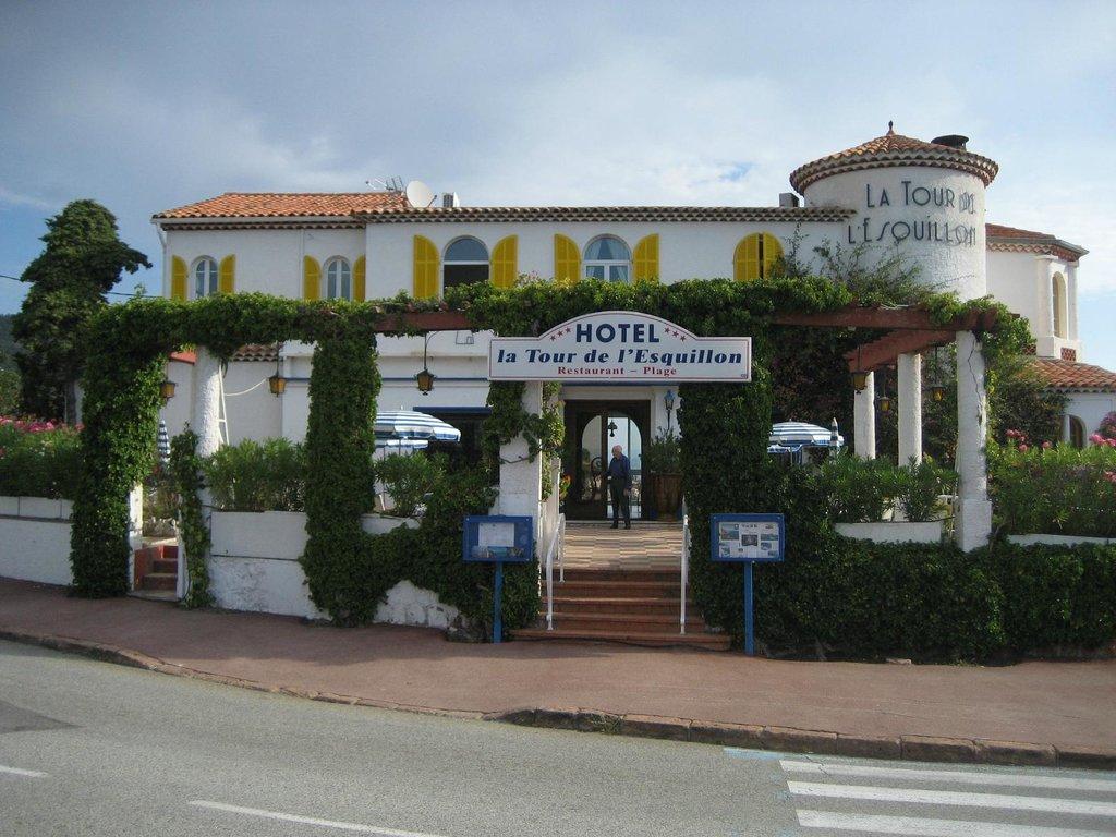 Hotel de la Tour de l'Esquillon