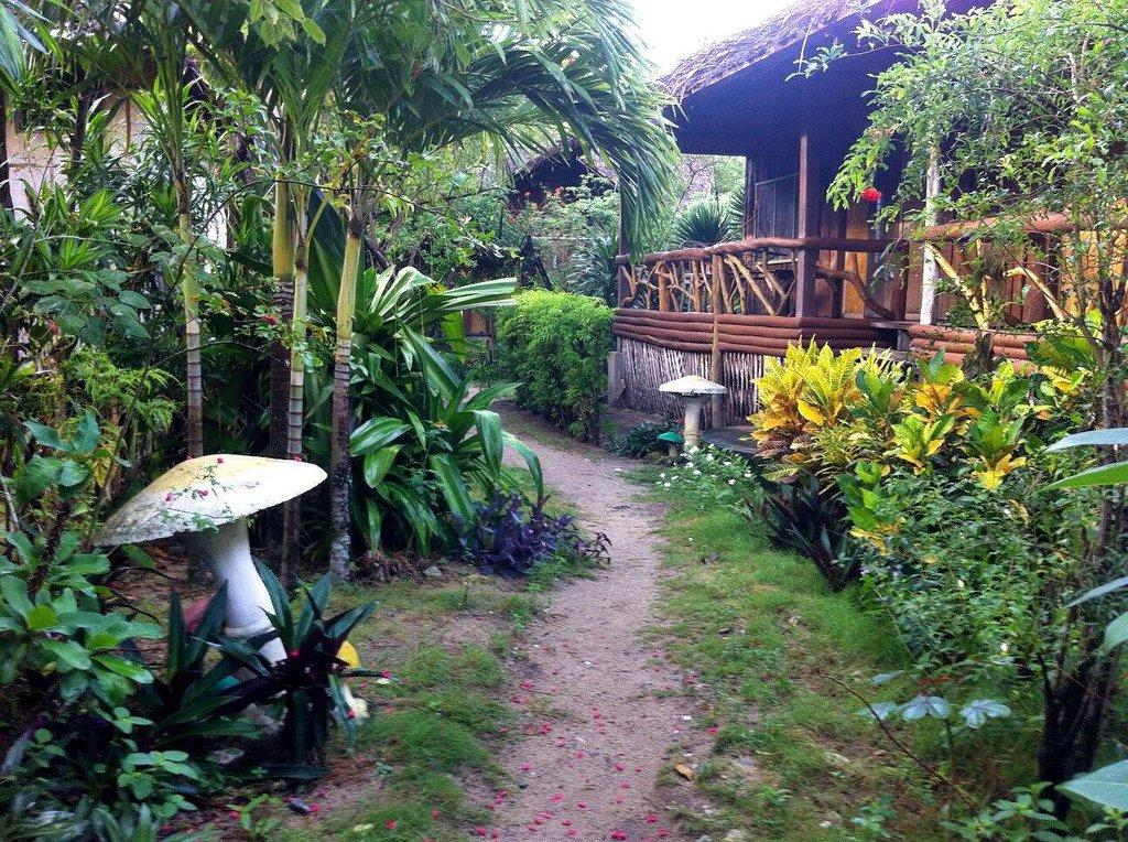 Coco Aroma Restobar & Cottages
