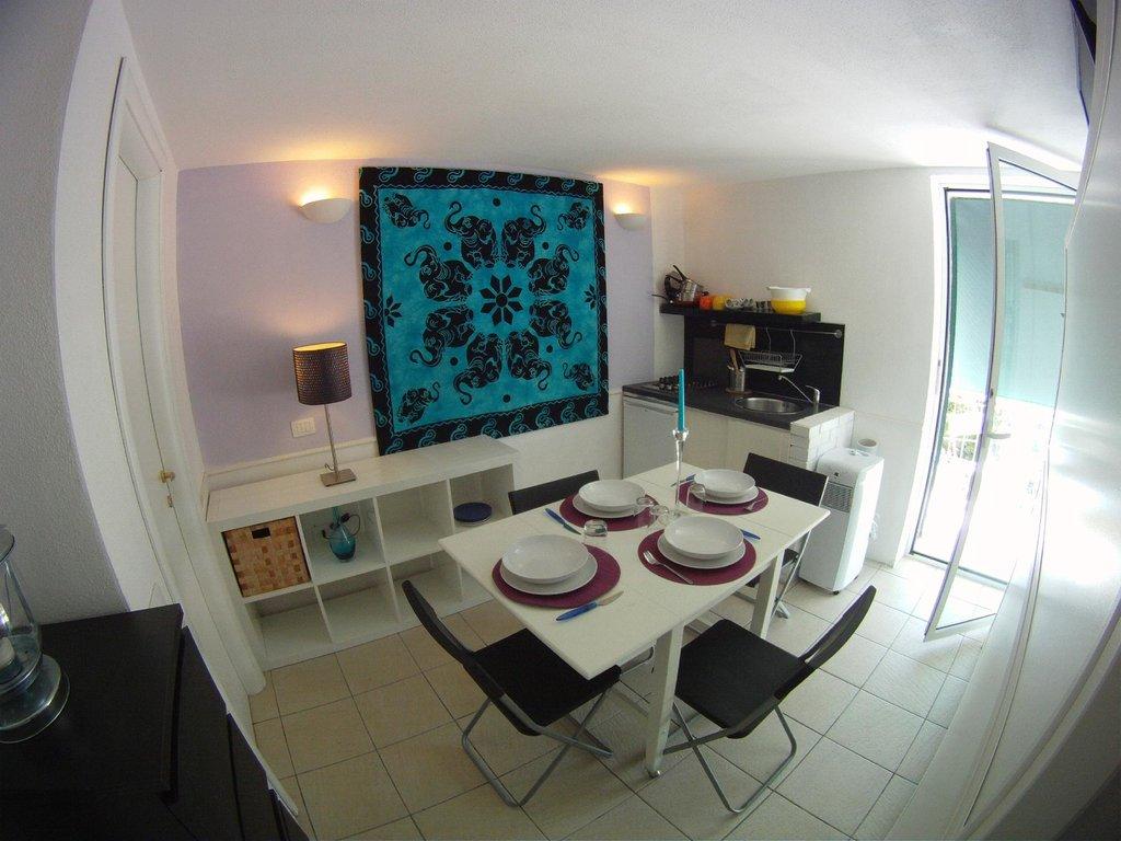 Calaluna Residence