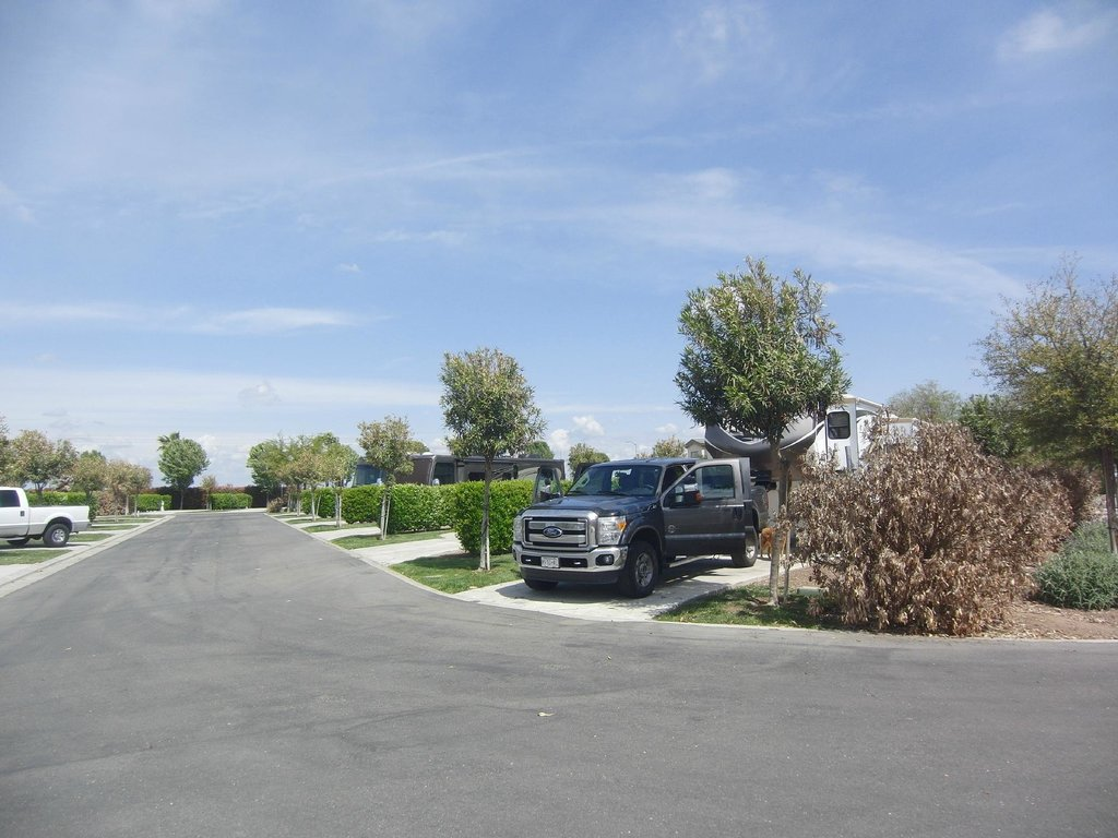 The Lakes RV Park & Golf Resort