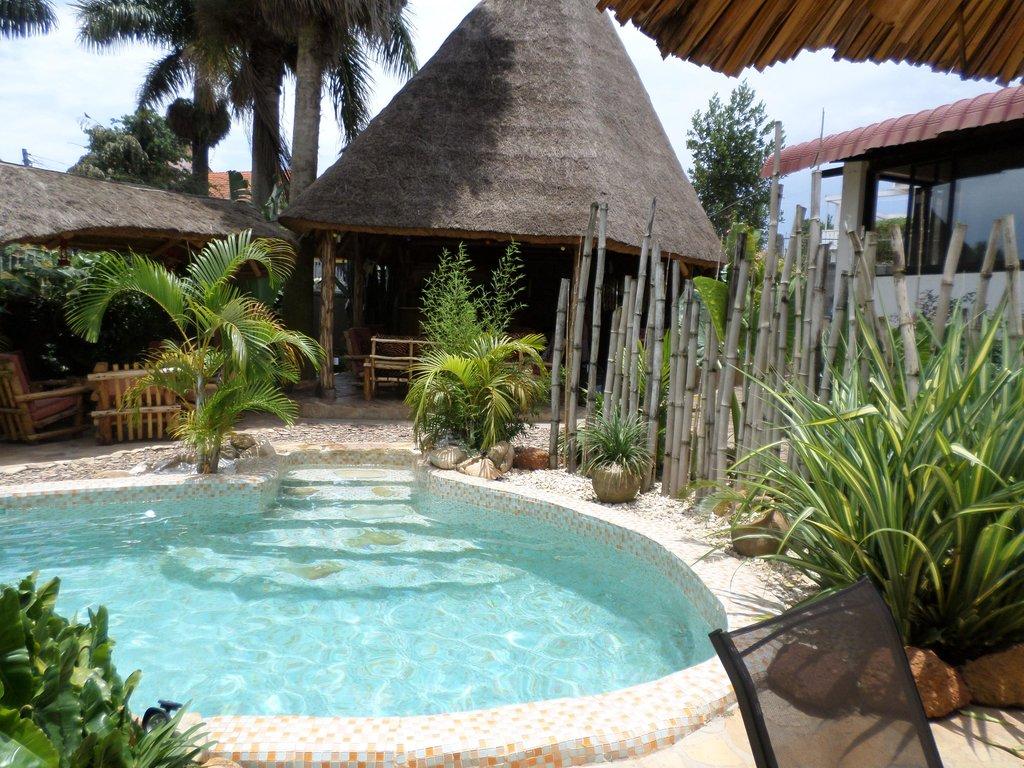 2Friends Beach Hotel