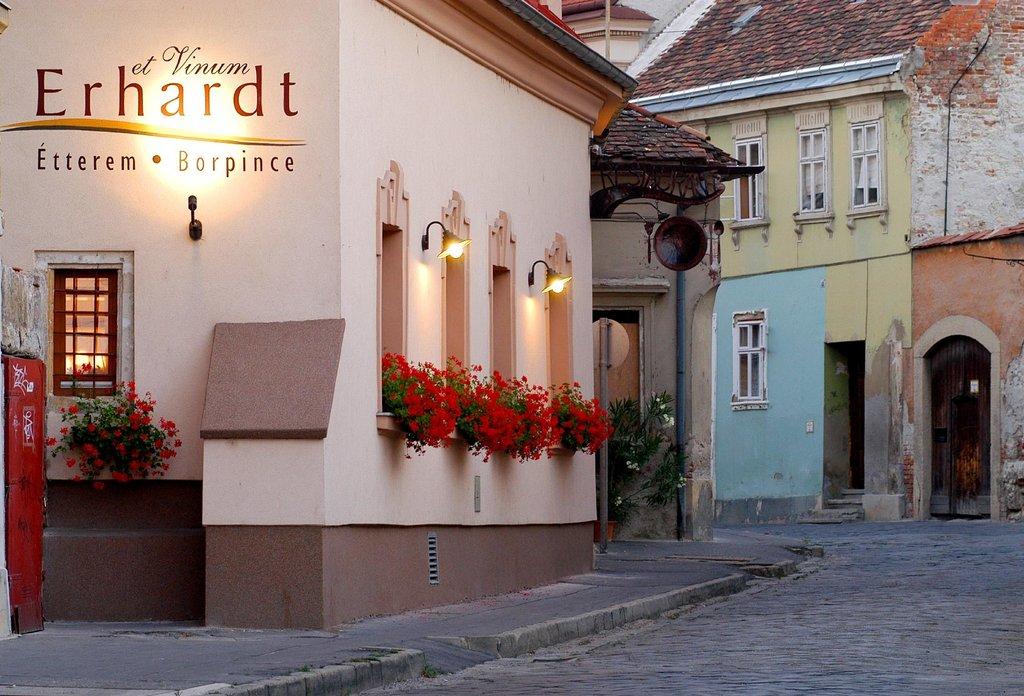 Erhardt Restaurant and Pension