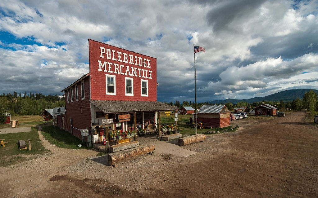 ‪Polebridge Mercantile and Cabins‬