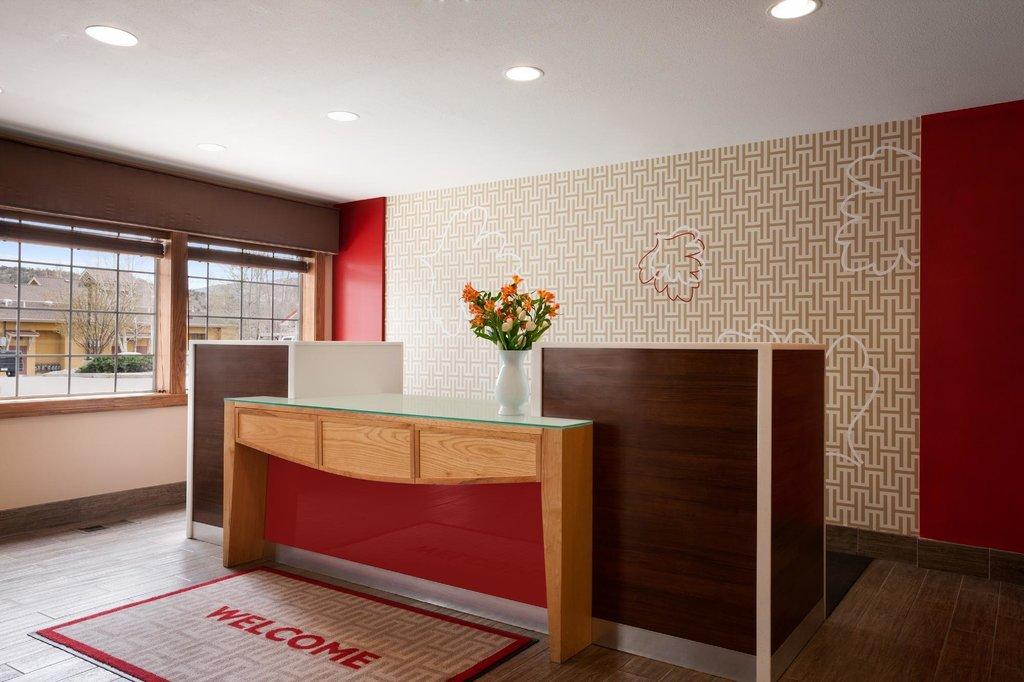 Hawthorn Suites by Wyndham Eagle