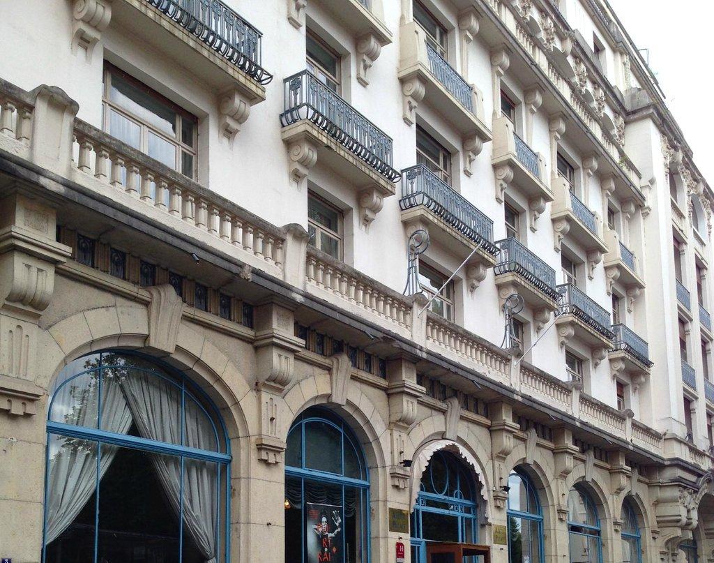 阿勒提宮殿酒店