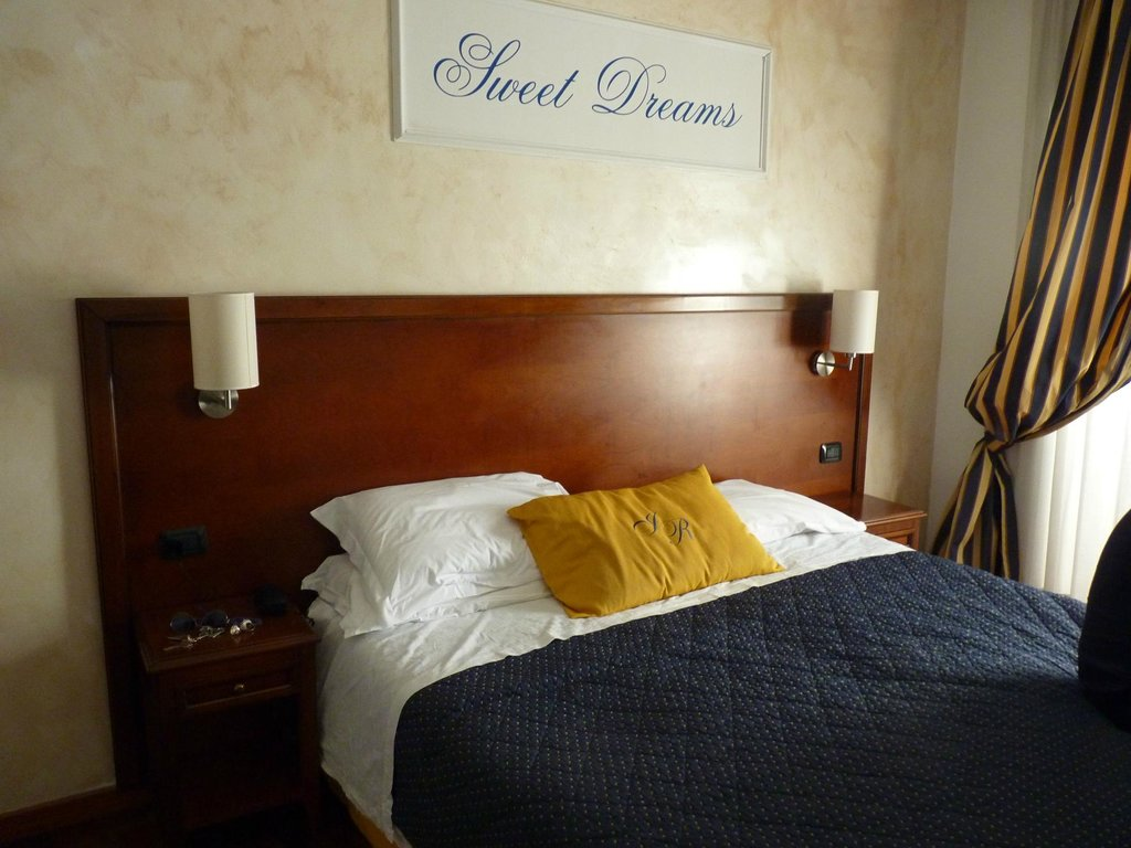 Inn Rome Rooms & Suites