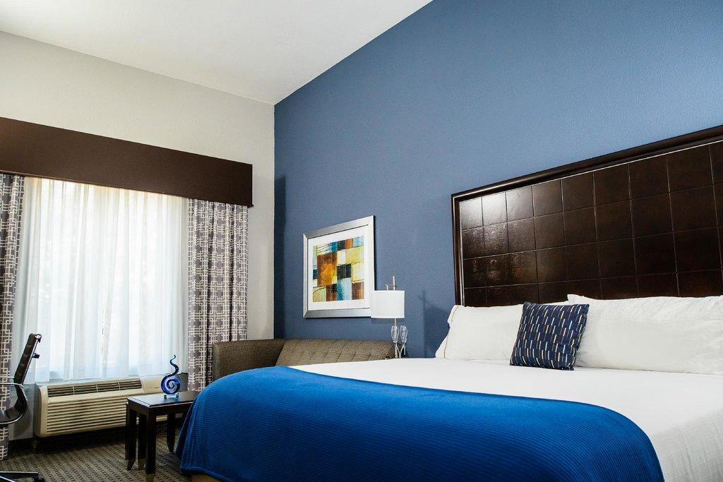 Holiday Inn Express Hotel & Suites Austin NW - Arboretum Area