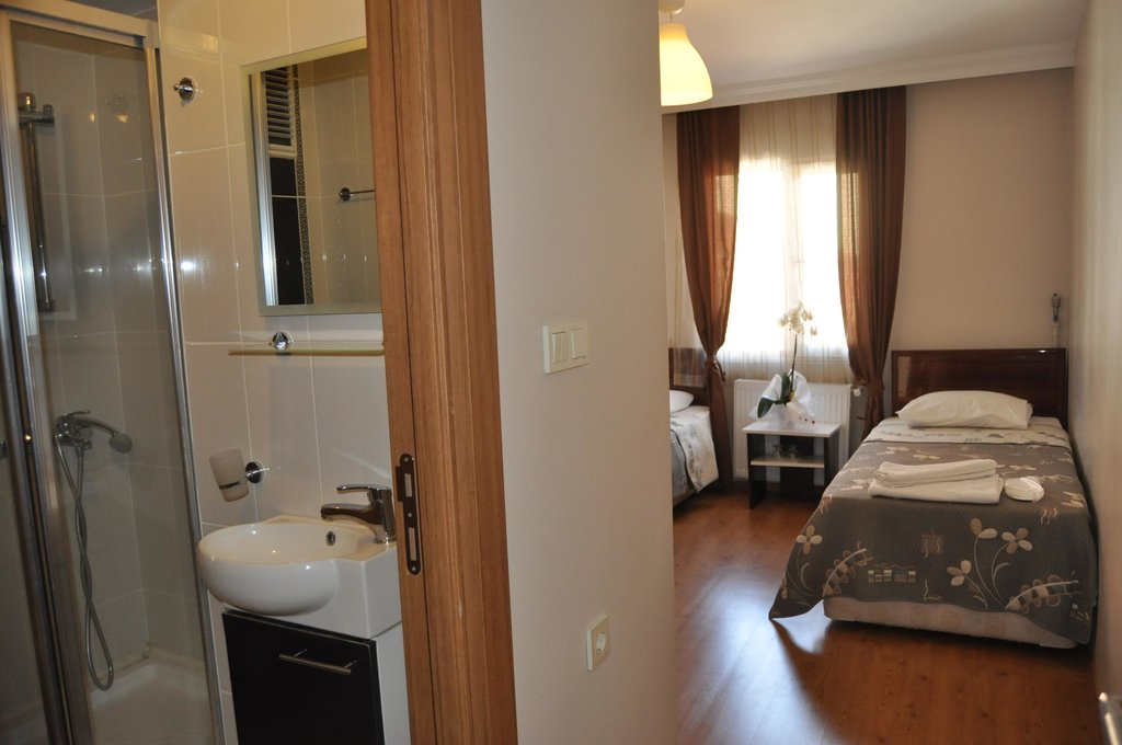 Demirci Hotel