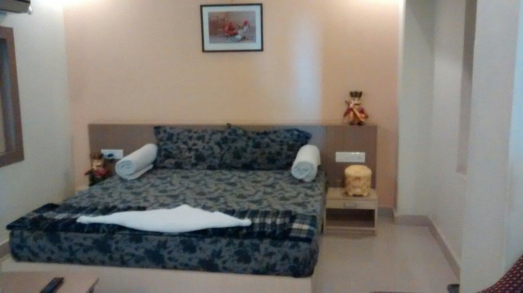 Hotel Vrinda Palace
