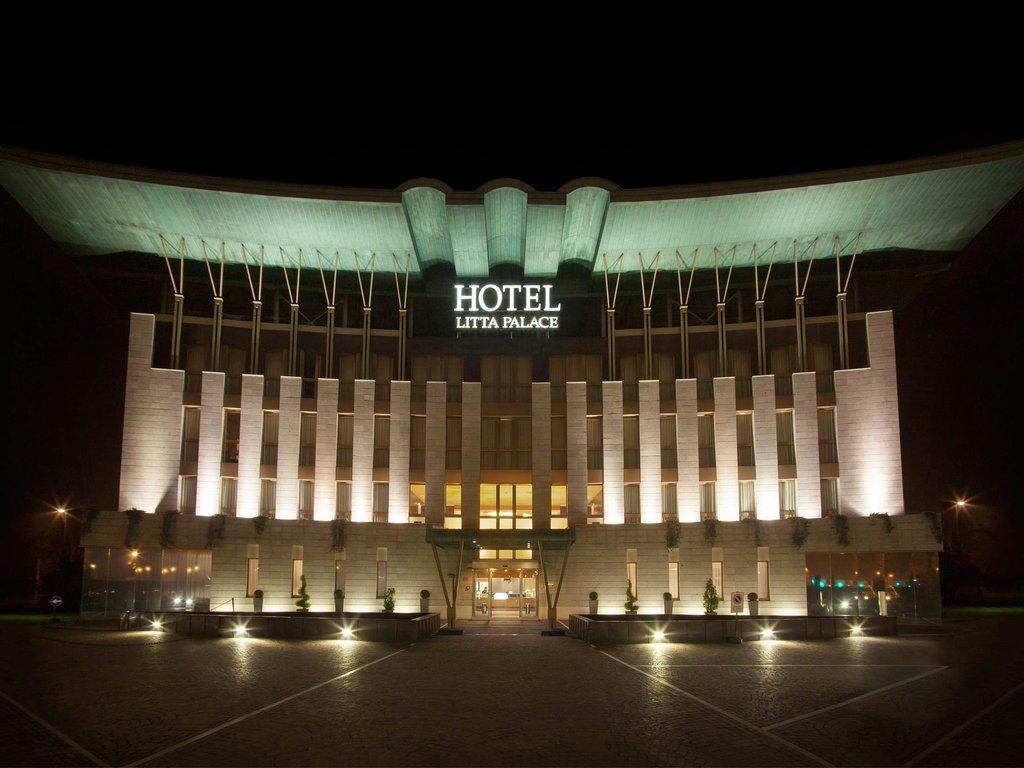 麗塔皇宮酒店