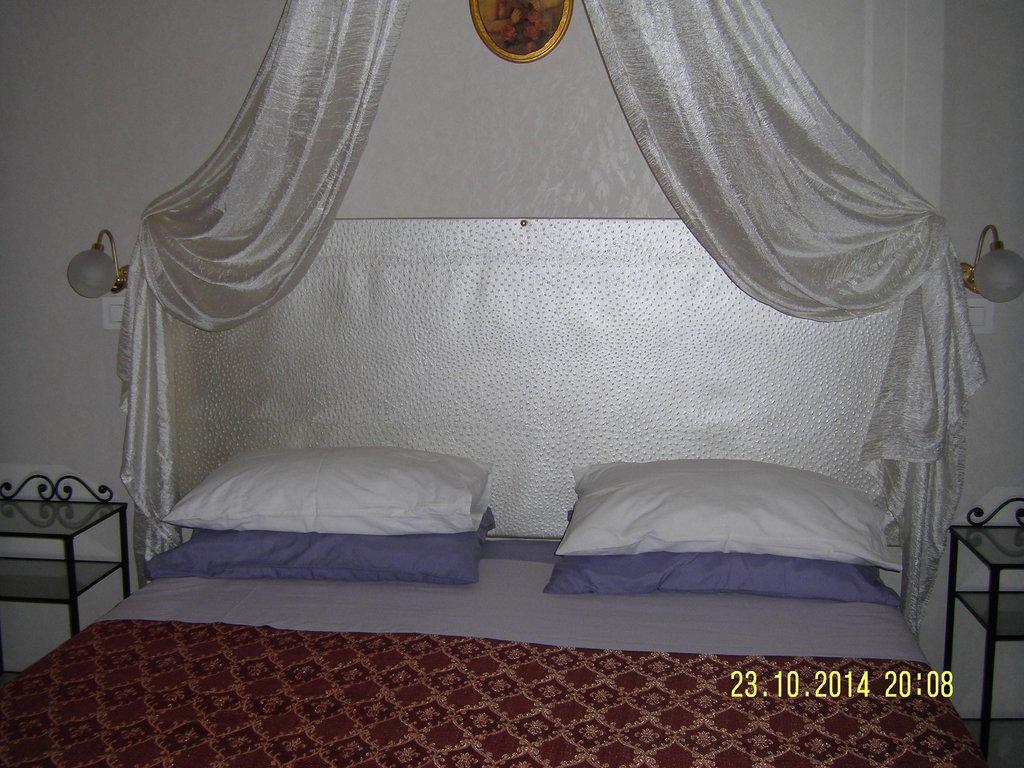 金色天使酒店