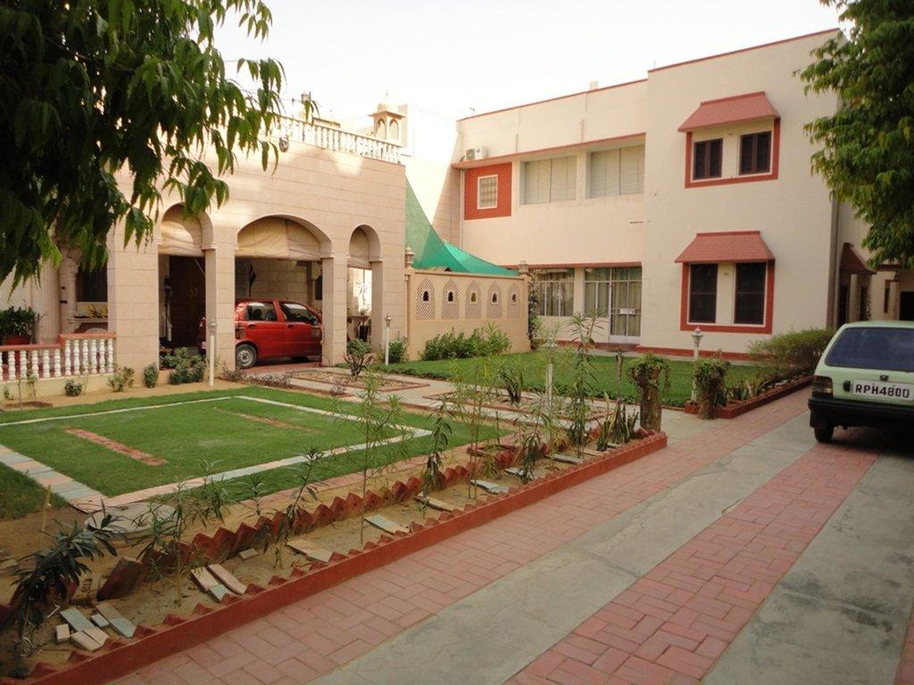 Suraj Niwas