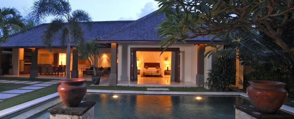 Grand Avenue Bali
