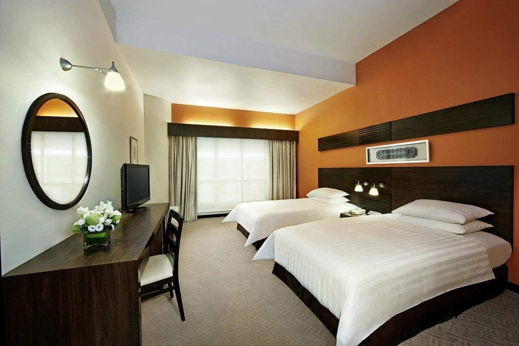 โรงแรมปิรามิดทาวเวอร์ แอท ซันเวย์ รีสอร์ท & สปา