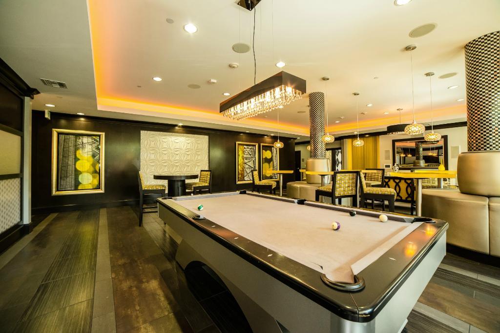 Rubix Hollywood Apartments