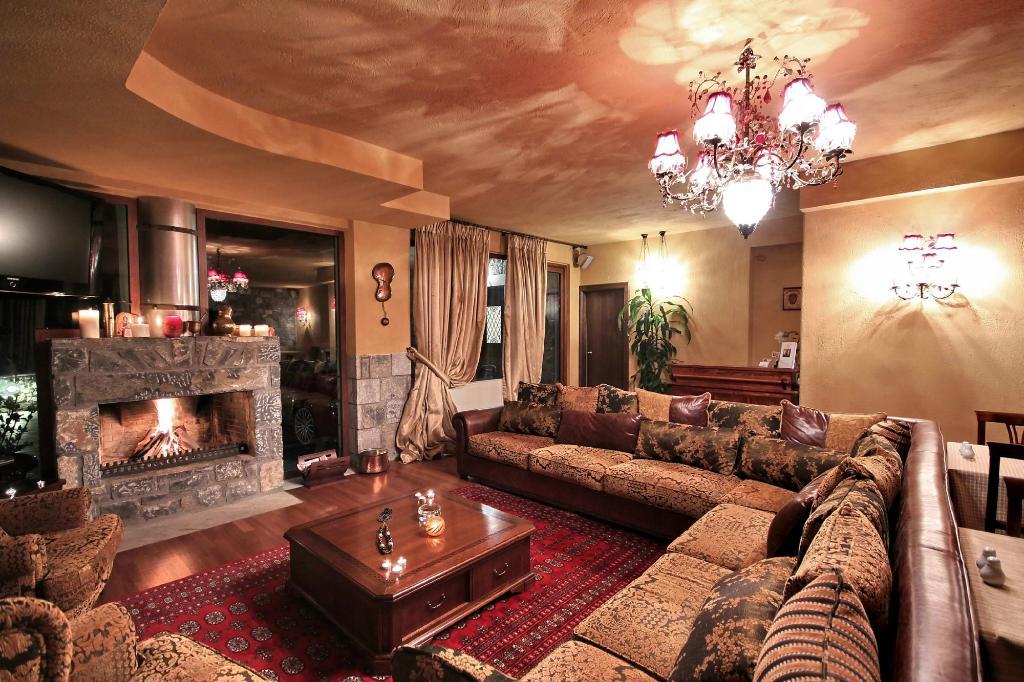 Aiora Luxury Suites