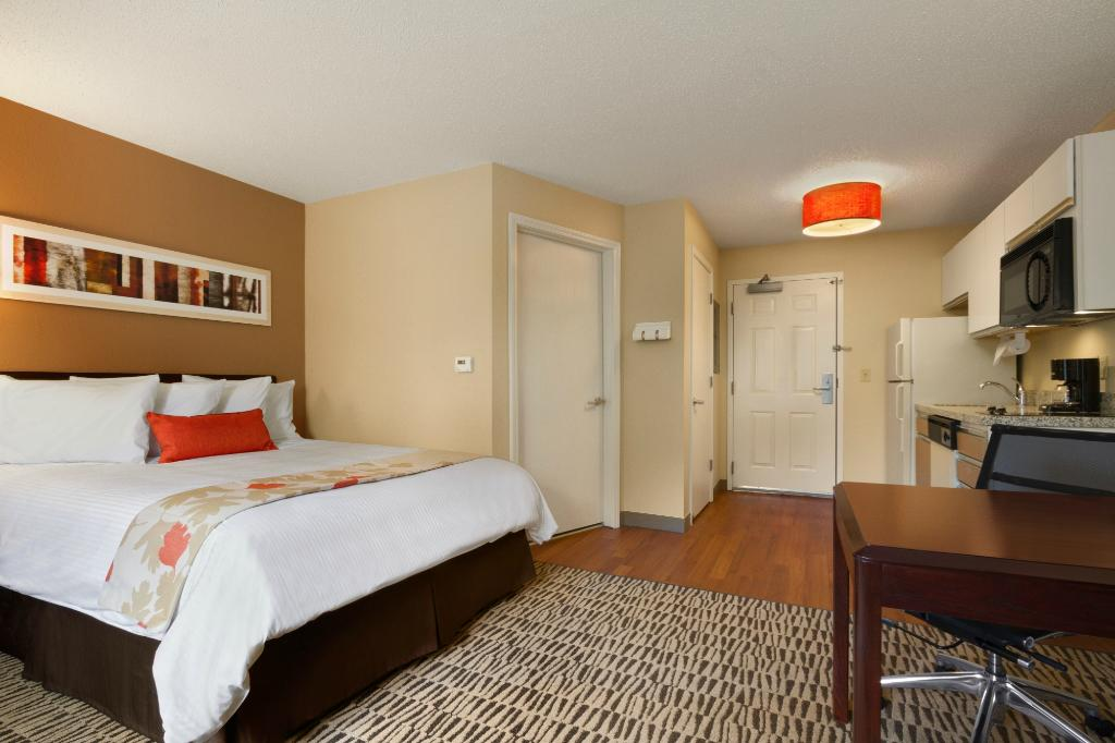 ‪Hawthorn Suites by Wyndham Louisville - Jeffersontown‬