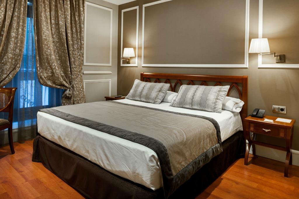 카탈로니아 라스 코르테스 호텔