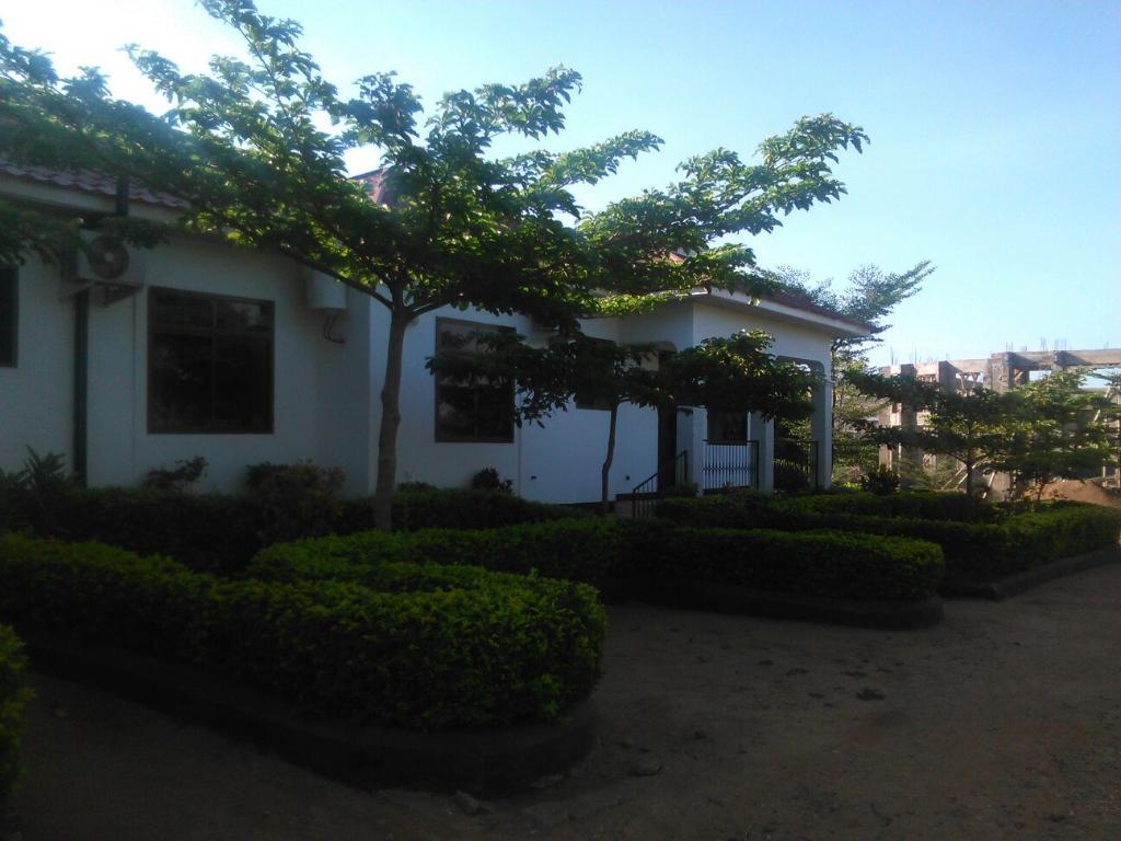 Nzoroko Hotel