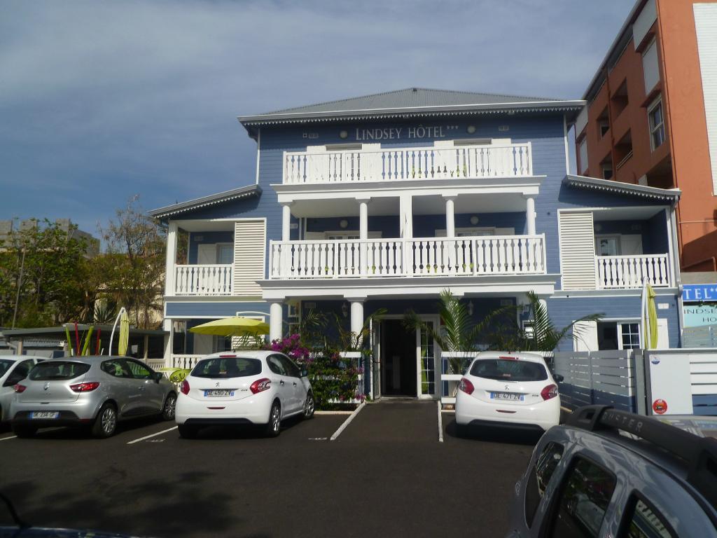Lindsey Hotel