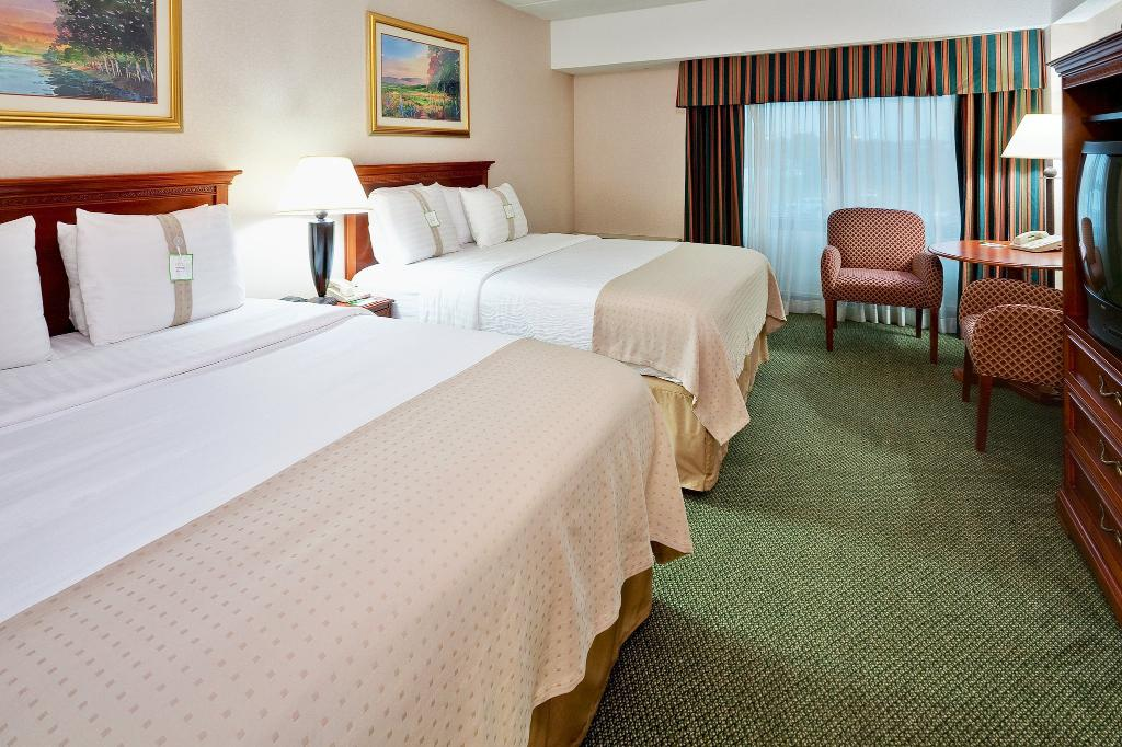 Holiday Inn Mount Vernon