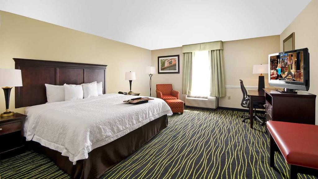 Hampton Inn Columbia I-26/Harbison Blvd.