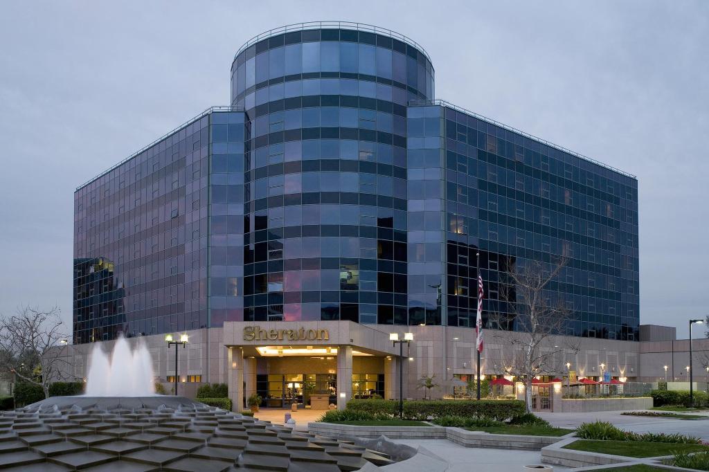 シェラトン セリトス ホテル アット タウン センター