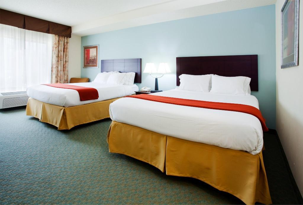 Holiday Inn Express Charlotte-Arrowood