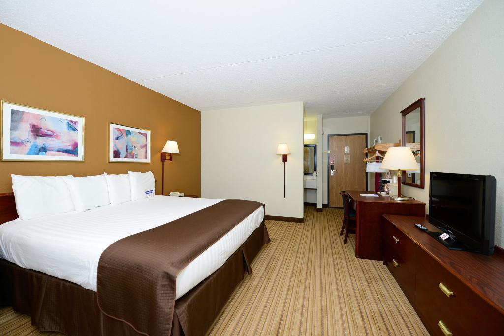 Americas Best Value Inn & Suites Flint Airport