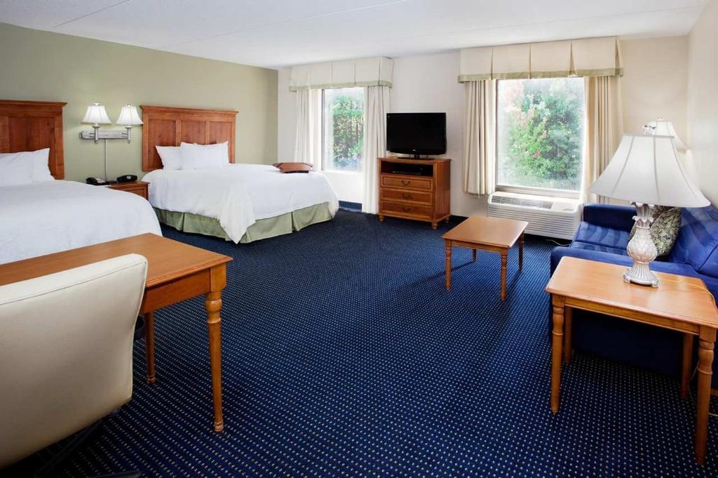 Hampton Inn & Suites ATL-Six Flags